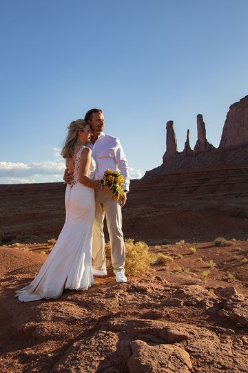 Bridal couple monument valley
