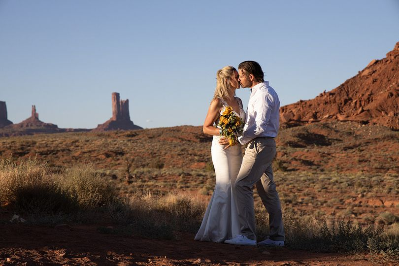 Elopement monument valley