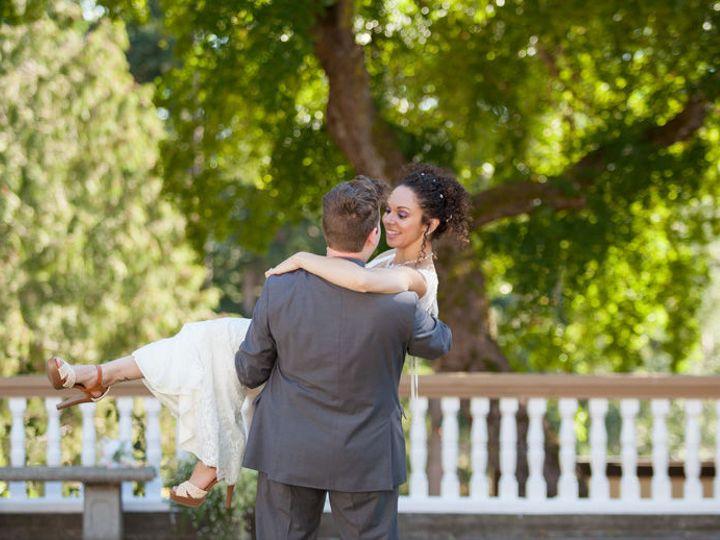 Tmx 1529211367 8a237bb547c5b09f 1529211366 91596f1961d98885 1529211365346 2 Vanessa   Luke  27 Seattle wedding photography