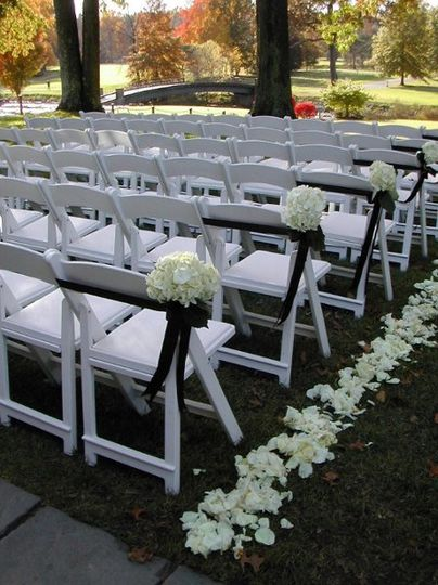 Aisle flower decor