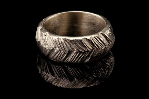 Man's Textured Herringbone Wedding Band in White Gold.   This product is found in my Manlier...