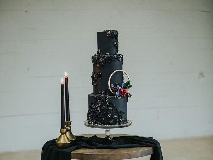 Tmx Sewellsweetsbasreliefweddingcake3 51 959139 157401165056402 Newberg, OR wedding cake