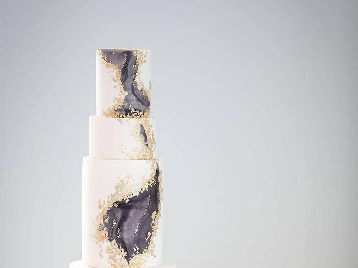 Tmx Sewellsweetsmodernweddingcakegoldflakegeo 51 959139 157401174016610 Newberg, OR wedding cake