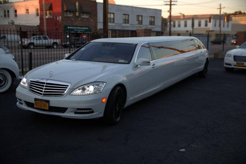 Chic Mercedes limo
