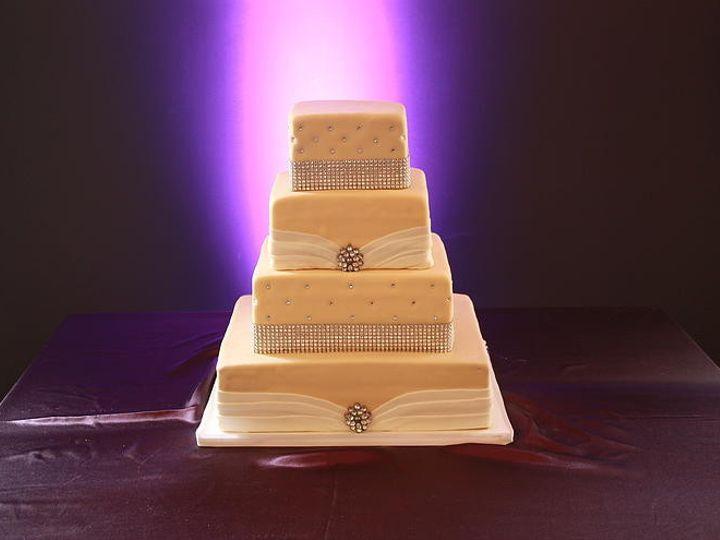 Tmx 1418766765556 Dca4ce292aa2d9b77c59eaf32c542550500c27jpgsrz743495 Milton wedding cake