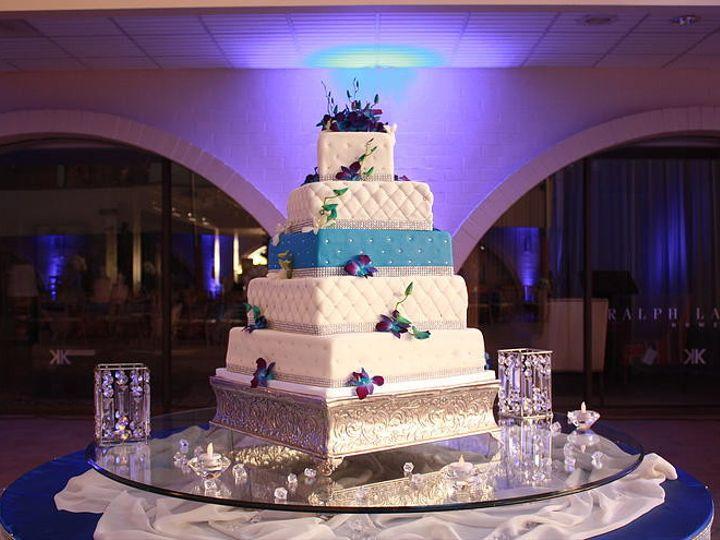 Tmx 1418767020743 Dca4ce572fe8cf55492f9fb0e4f48589c82a1cjpgsrz743495 Milton wedding cake