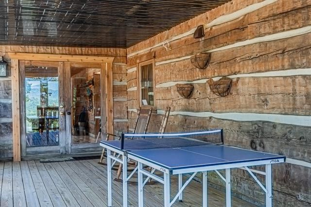 Deck with ping pong