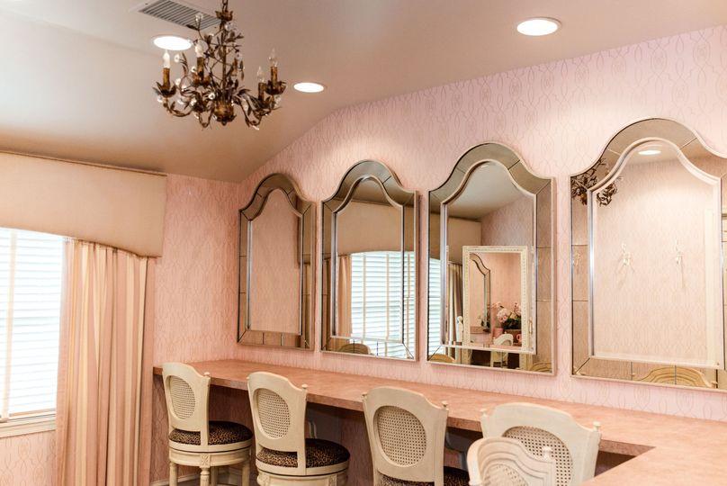 Elegant Bridal Suite