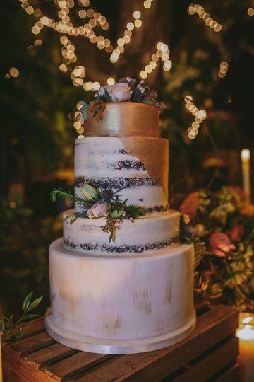 Gold moody wedding cake