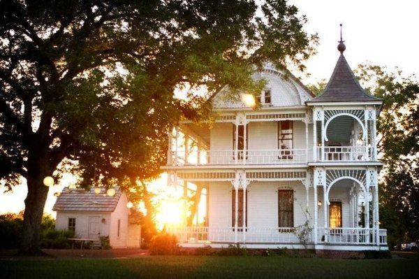 Sunset at Barr Mansion