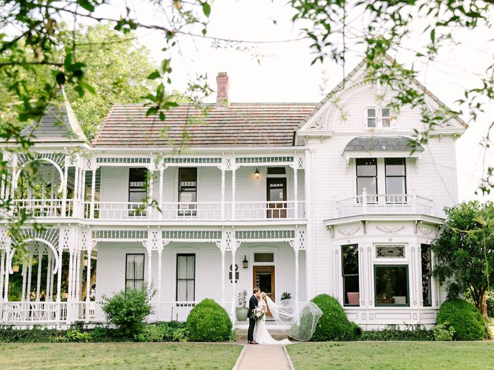 Tmx 1529607382 680a2694bfb8f710 1529607380 Fb3321166501b352 1529607380459 4 SM Lindsey Ben JWi Austin, TX wedding venue