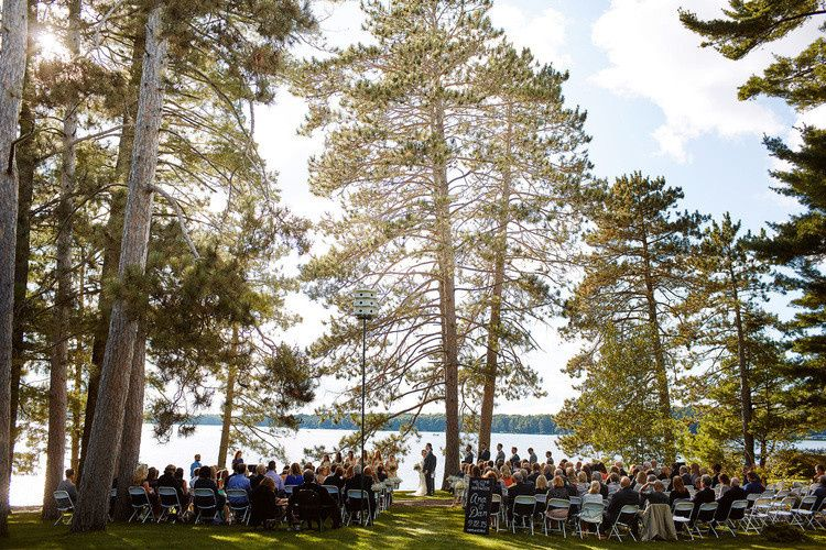 Outdoor wedding ceremoy