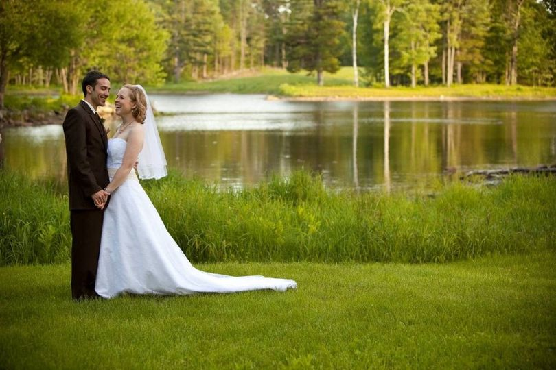 1a650806d9ce2da0 1527617638 ef4abb309471c75f 1527617625359 16 wedding pond
