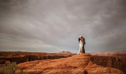 T. Enowski Photography & Video