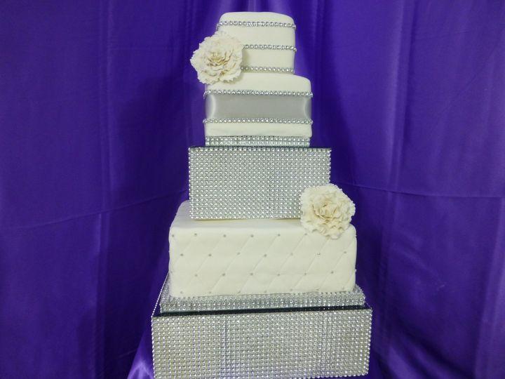 800x800 1390312222861 Bling Wedding Cak 1390312929071 Las Vegas