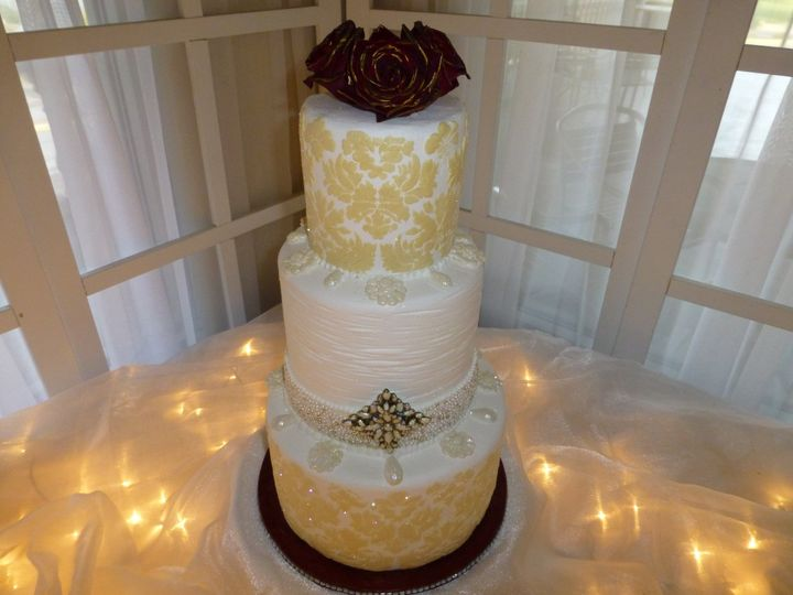 Cakes On The Move Wedding Cake Henderson Nv Weddingwire