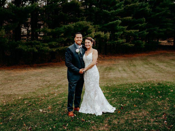 Newlyweds in nature –Kaitlyn Brereton Photography