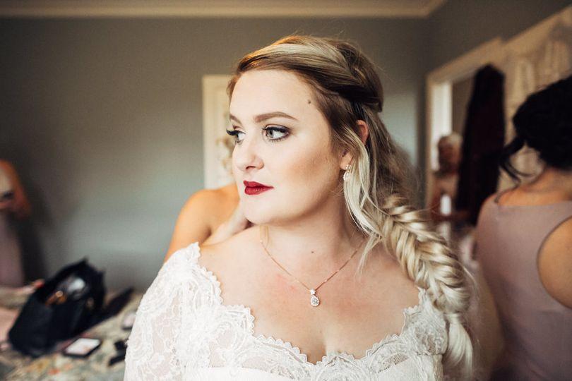 Bridal makeup and braid
