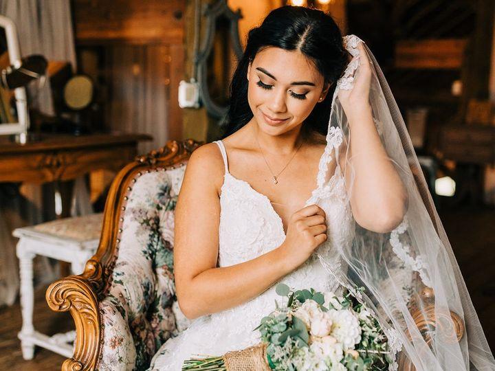 Tmx A994924d 006d 416c 93e1 C6e2a3d05160 51 684339 Lake Oswego, OR wedding beauty