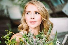 Amanda Stone Hair & Makeup Artist