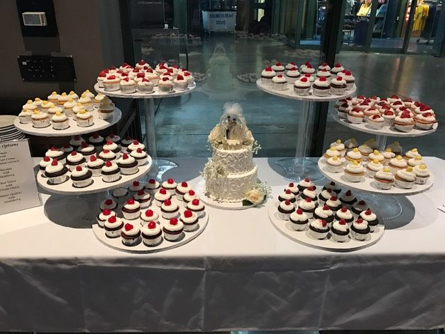 Tmx 2 Tier Open Scroll With Cupckaes 51 1029339 Milwaukee, Wisconsin wedding cake