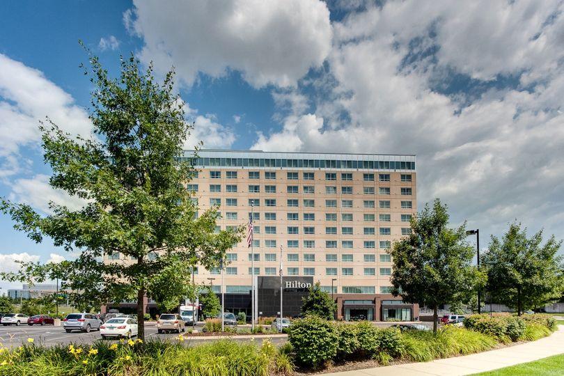 Exterior view of Hilton Minneapolis/Bloomington Hotel