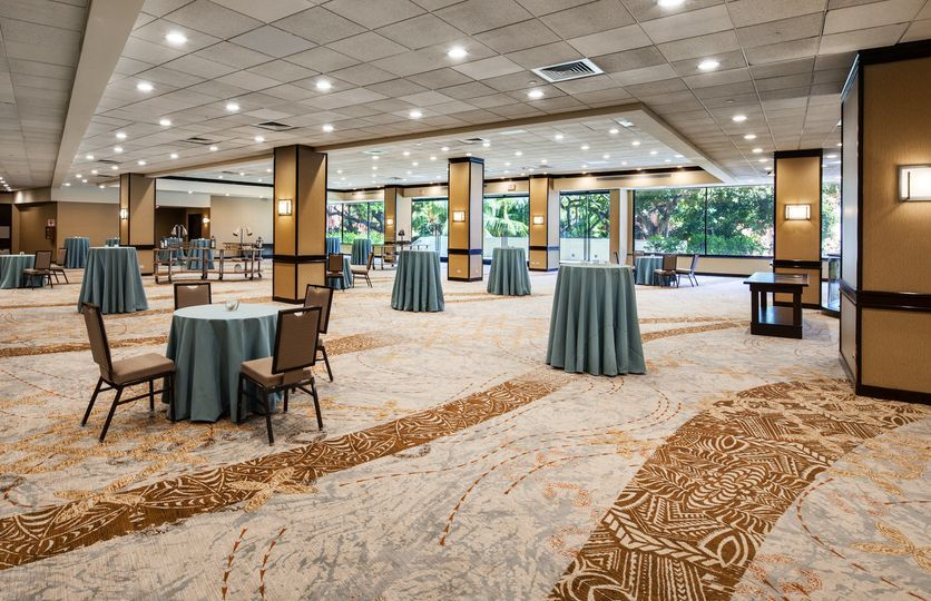 Our newly renovated Ballroom Foyer provides a perfect event space for your cocktail reception.