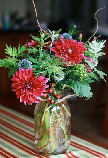 hillside flowers flowers wilton ct weddingwire. Black Bedroom Furniture Sets. Home Design Ideas