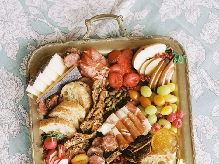 Tmx Headwaters Ranch Styledshoot 0092 51 1047439 160191655186975 Bozeman, MT wedding catering