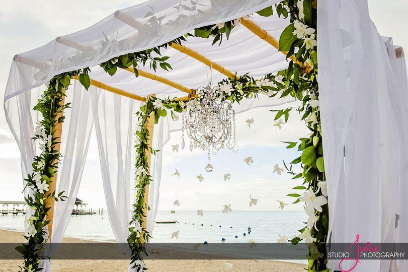 Chuppah decor