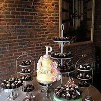Tmx 1487380807888 Cupcake Display From Idr Dubuque, IA wedding rental