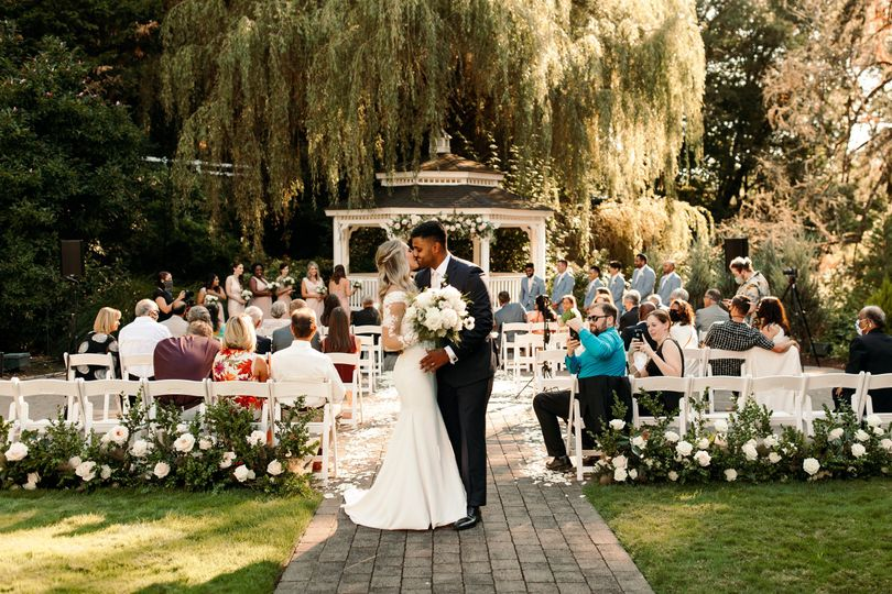 emily vandehey photography oregon wedding photographer arun erin abigails garden abernathy center oregon city oregon ceremony 135 51 38539 160471710973768