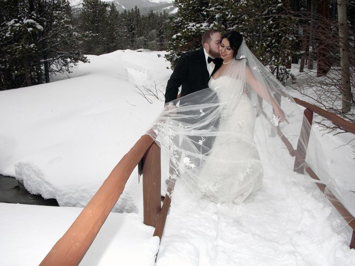 Tmx  Mg 3228 51 200639 158931195238249 Denver, Colorado wedding officiant