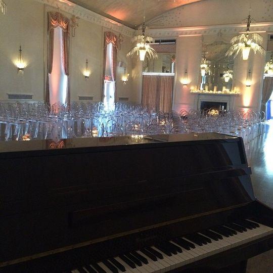 Elegant piano at the wedding ceremony area