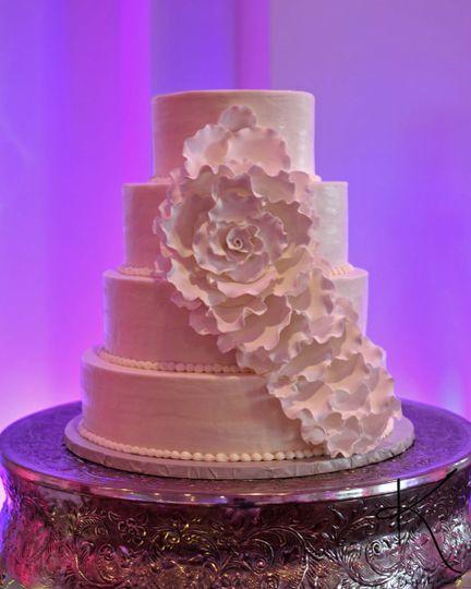 Fluffy round cake