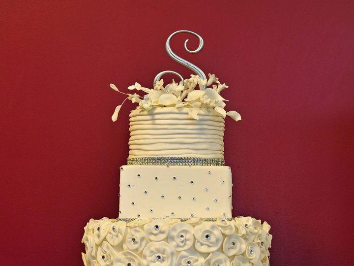 Tmx 1379870273101 Dsc85458x18x300 Copy Virginia Beach wedding cake