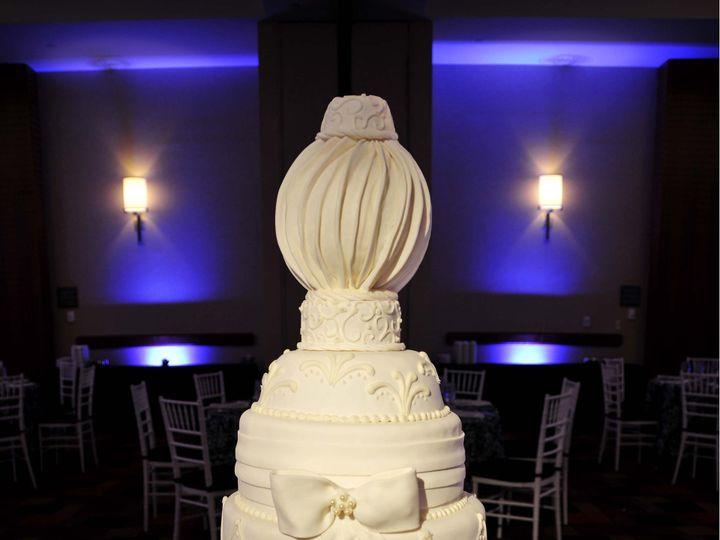 Tmx 1379870441717 Incredible Edibles Bakerydsc49548x10x300 Copy Virginia Beach wedding cake