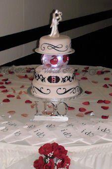 Tmx 1287602625976 BrendaP2270068NAME Red Oak wedding cake