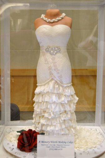 Tmx 1447349147338 Davidsbridaldressfb4x6 Red Oak wedding cake
