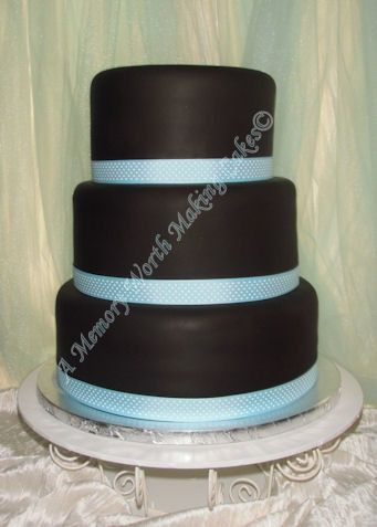 Tmx 1491444689581 Signaturecakefb Sm Red Oak wedding cake