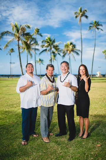 Marry You in Hawaii Officiants