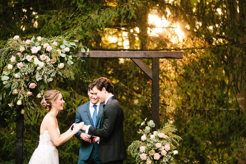 christinaandbrendon backyard wedding ceremony image 14 51 914639 160245682630448