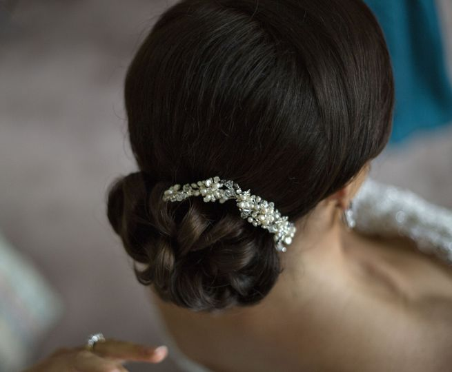 Bridal hairpin and updo
