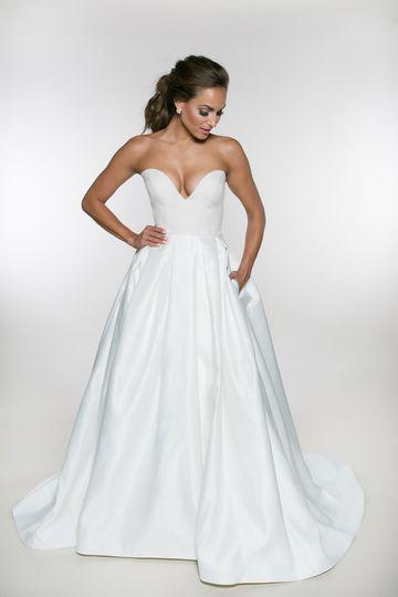 Heidi Elnora Bridal Gown