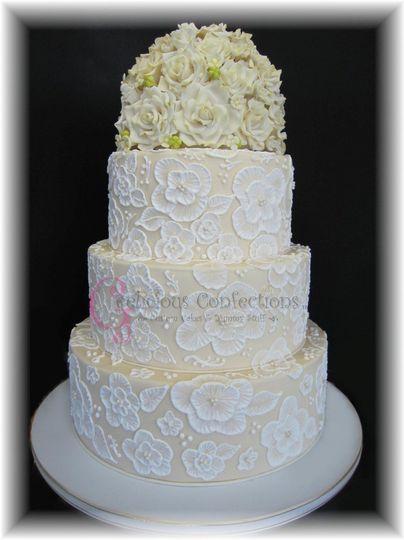 WeddingLaceRoses2