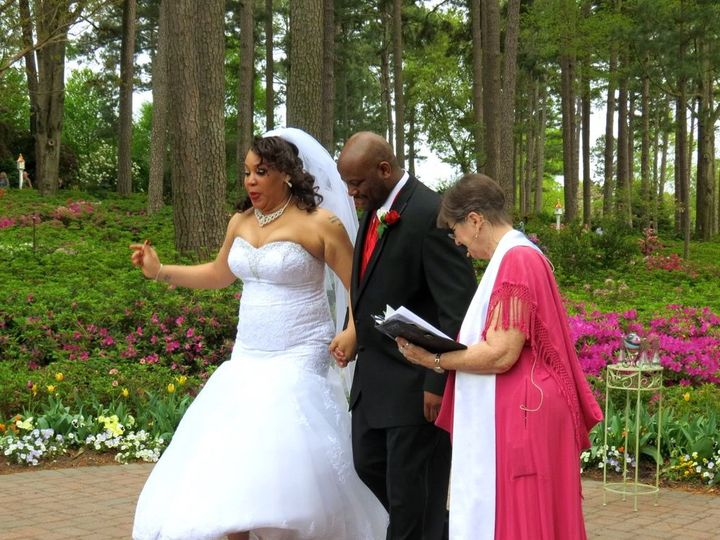 Tmx 1525532484 Bd43915bf9b15dd0 1525532483 B576eee1f9a2bce8 1525532465723 13 Teesha And Gregor Raleigh, NC wedding officiant