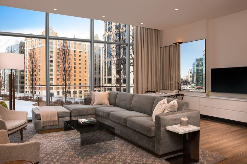 Avenue Suite