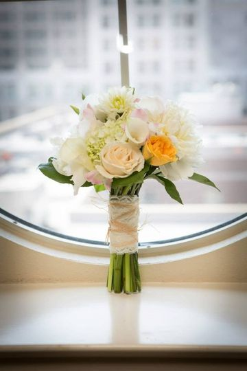 fabulous flowers flowers new orleans la weddingwire. Black Bedroom Furniture Sets. Home Design Ideas