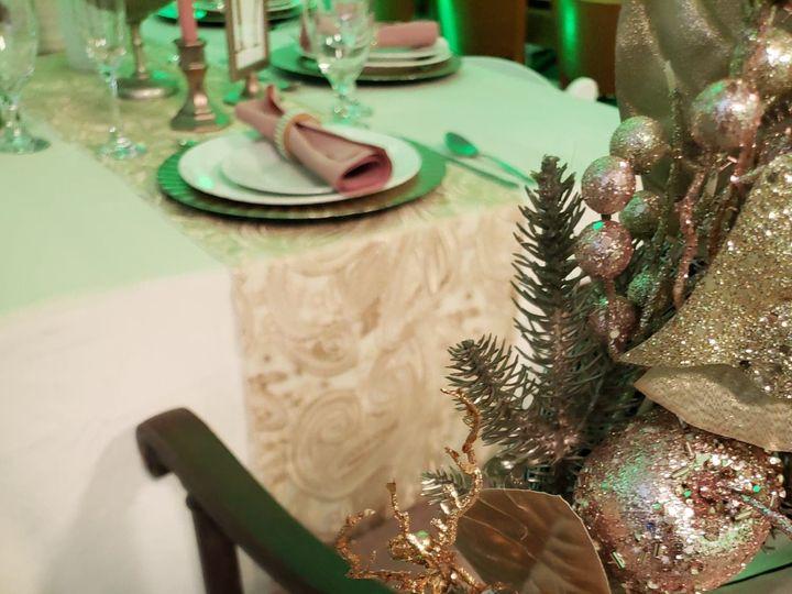 Tmx Paisley Lace Runner Champagne 51 1022739 157955446725495 Petoskey, MI wedding rental