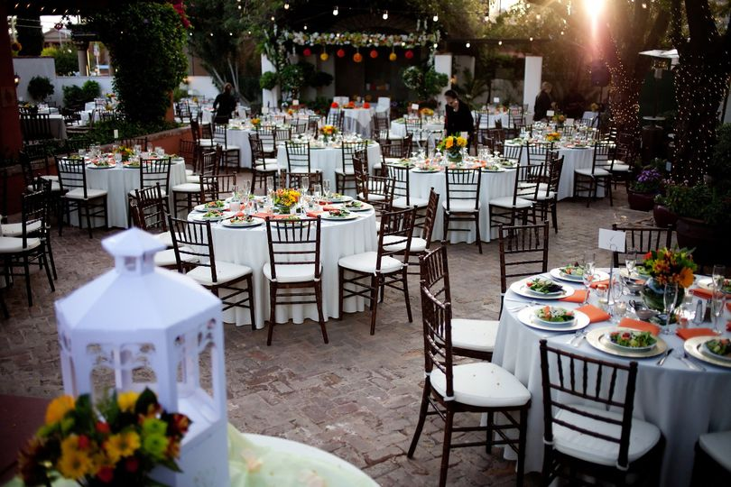 The stillwell house and garden venue tucson az weddingwire 800x800 1390941481932 39loriotoole04071 junglespirit Images